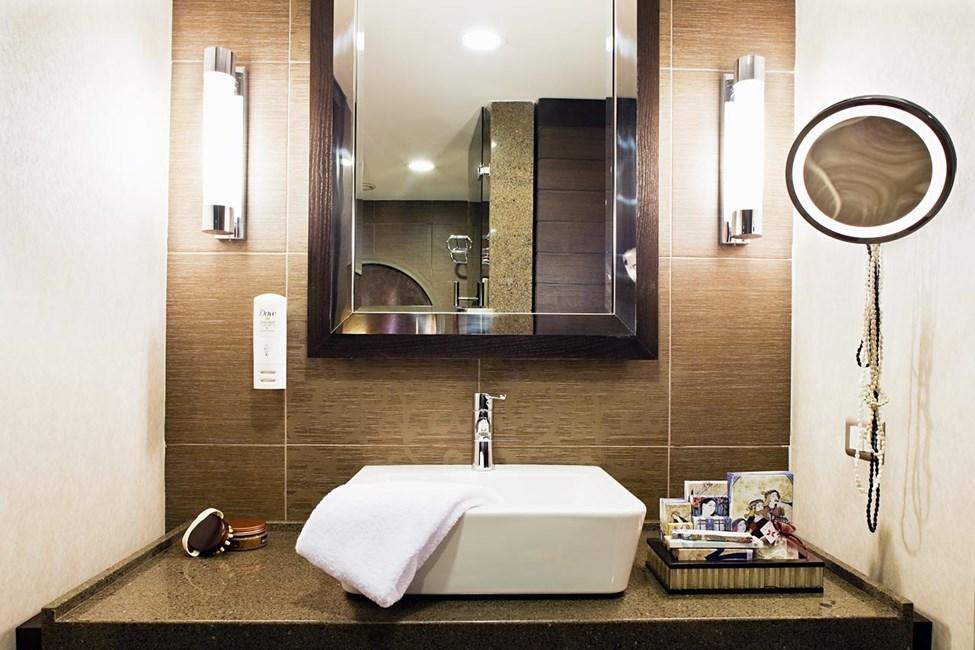 Badeværelset i et af dobbeltværelserne