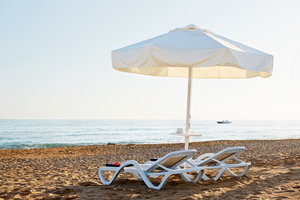 Den skønne strand ligger ca. 500 meter fra hotellet