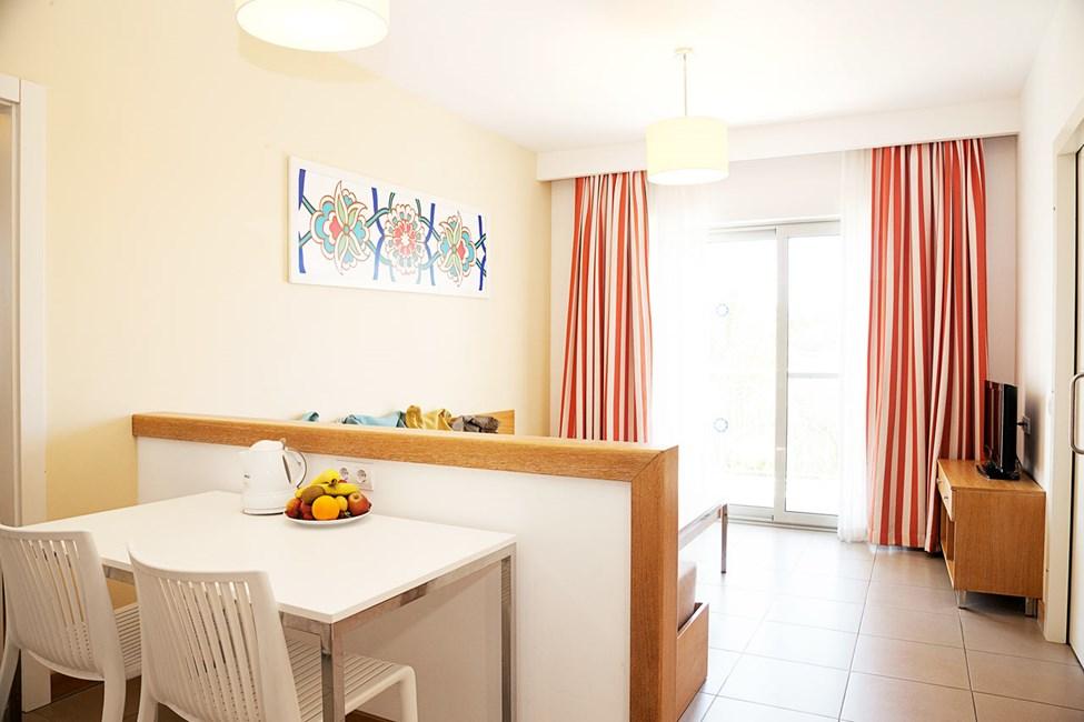 3-værelses Big Family-lejlighed med balkon mod haven og omgivelserne
