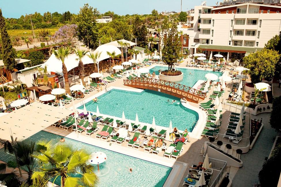 Side Resort fine poolområde