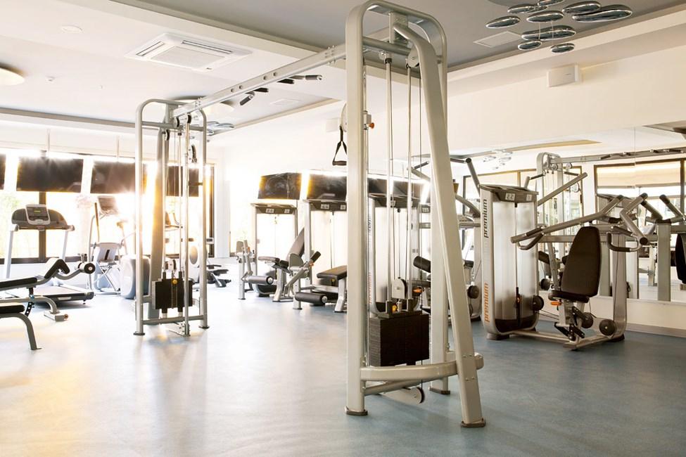 Det er gratis at træne i motionsrummet på egen hånd