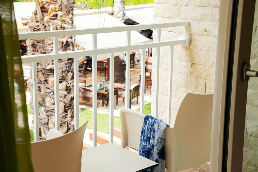 Classic Room med lille balkon mod haven