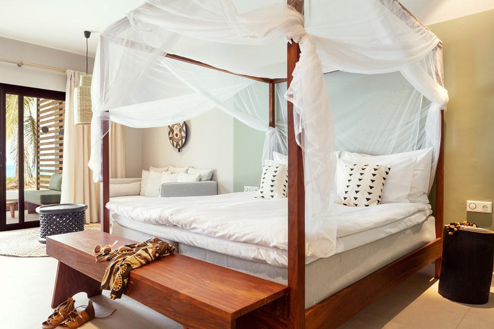 1-værelses Prime Pool Suite med terrasse mod havet med direkte adgang til privat, delt pool - myggenet på forespørgsel