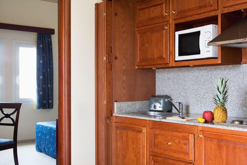 2-værelses lejlighed med veludstyret køkkenniche
