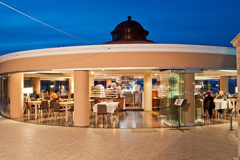 Buffetrestauranten ved poolen