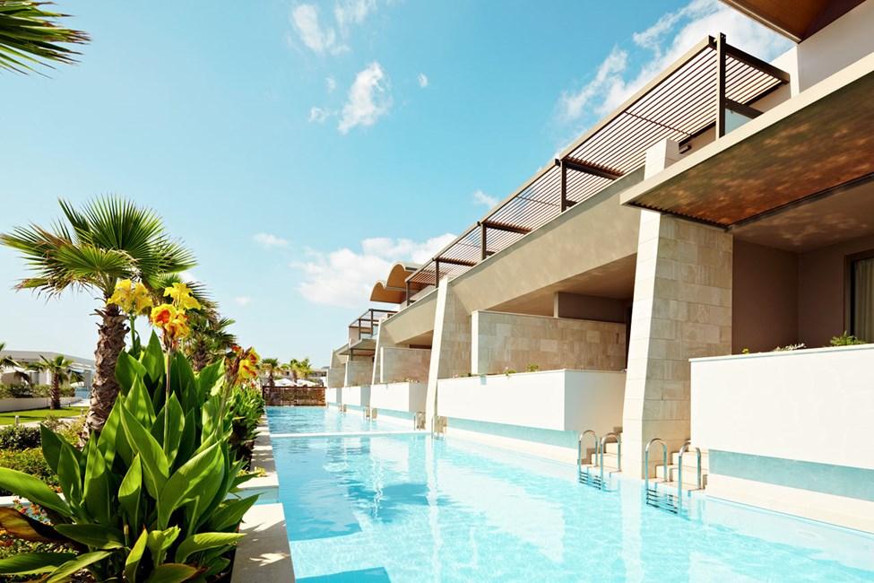 Dobbeltværelse med direkte adgang til fælles pool
