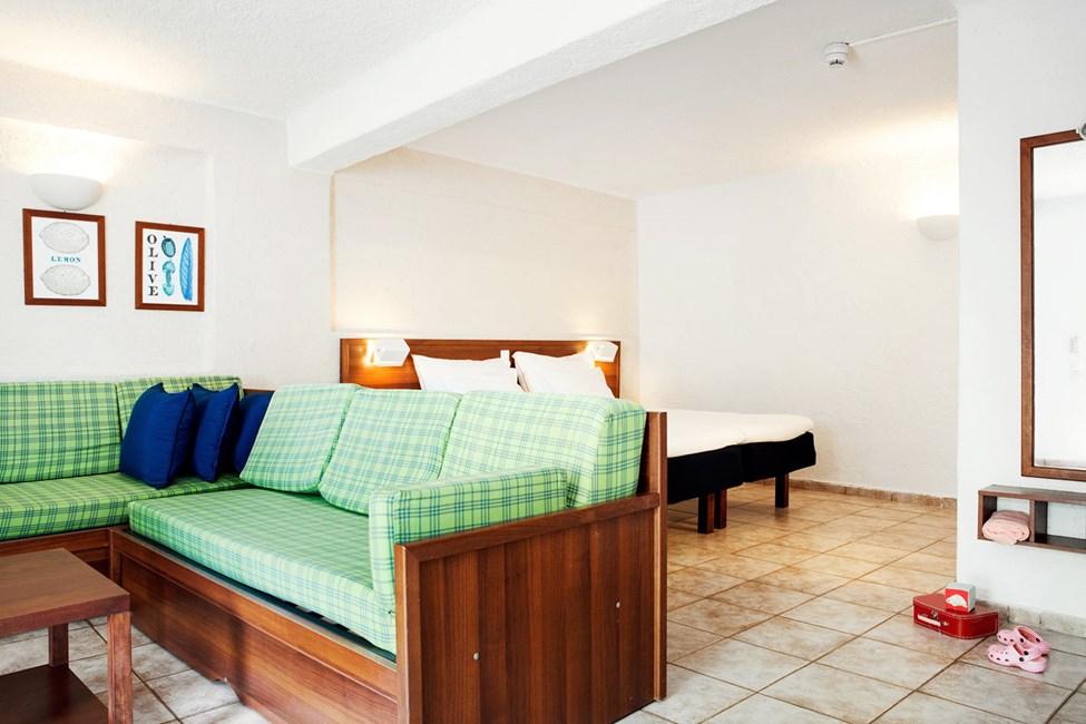 1-værelses Family-lejlighed med terrasse mod haven i Hera