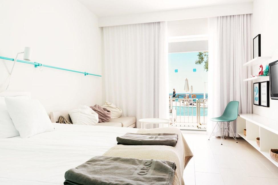 1-værelses Compact Suite med terrasse med havudsigt og direkte pooladgang