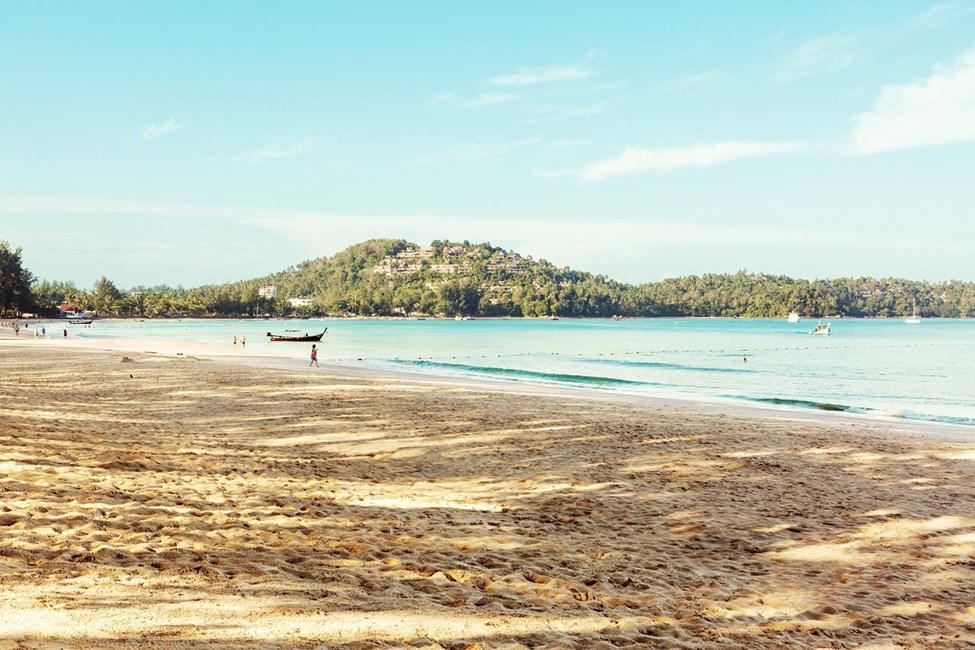 Lige ved Sunwing Bangtao Beach er der en herlig strand