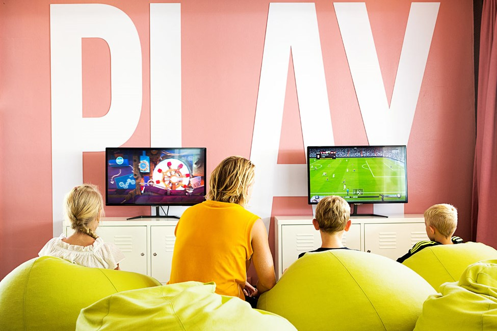 I Play & Chat kan du spille PlayStation 4