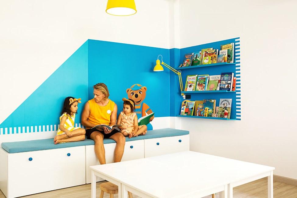 I Lollo & Bernie's Mini Land kan børnene bl.a. lege, klippe-klistre og høre historier