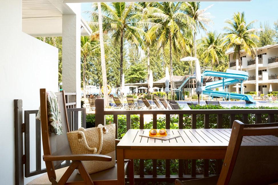 1-værelses Royal Family Suite med terrasse mod poolområdet