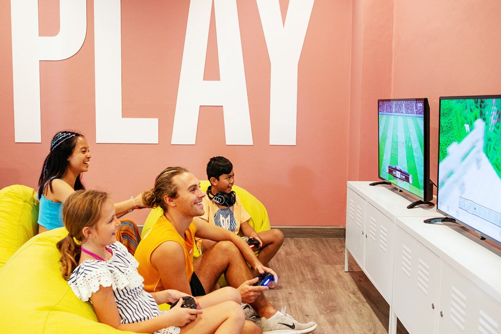 I Teen Lounge findes PlayStaion 4