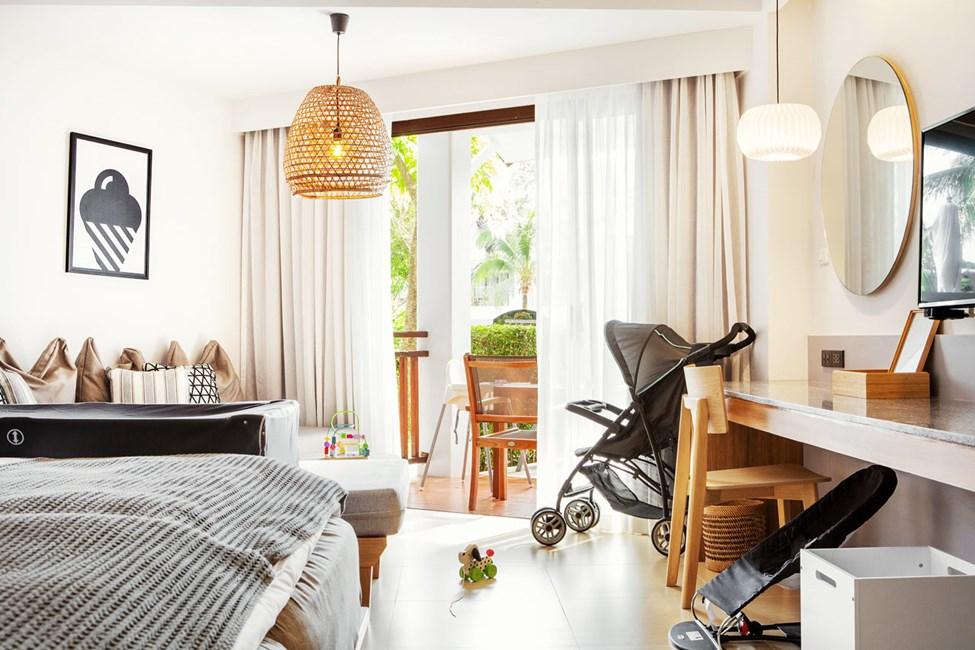 1-værelses Happy Baby Suite med terrasse mod poolområdet