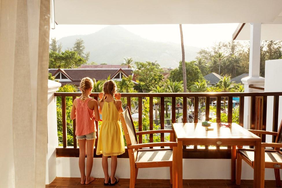 1-værelses Family Suite med balkon mod poolområdet