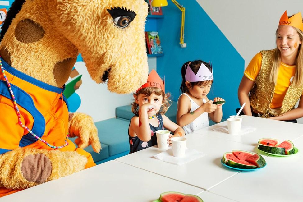 Børn i alderen 3-7 år kan deltage i Lollos fødselsdag mod betaling