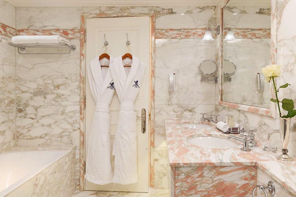 Eksempel på badeværelse i suiterne