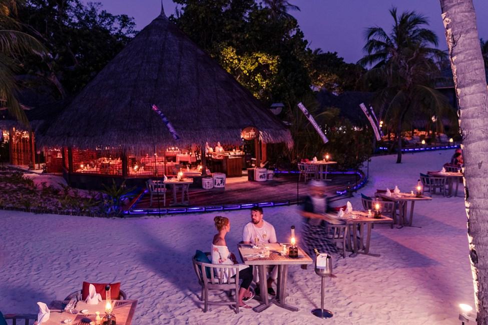 Nyd en god middag på stranden