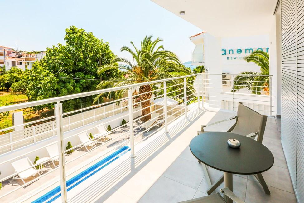 Dobbeltværelse med balkon mod poolområdet
