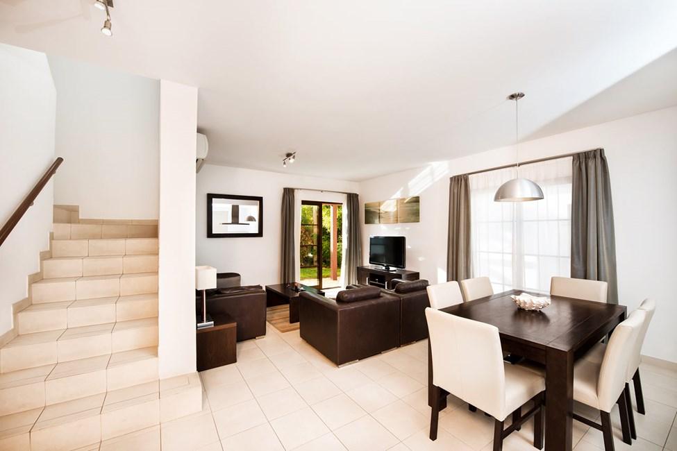 4-værelses lejlighed med privat pool til 4-6 personer