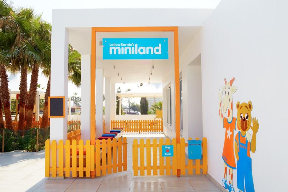 I Lollo & Bernies Mini Land er alle børn velkomne til at lege, tegne og se film