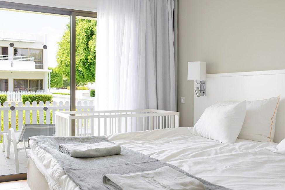 2-værelses Happy Baby-lejlighed med indhegnet terrasse