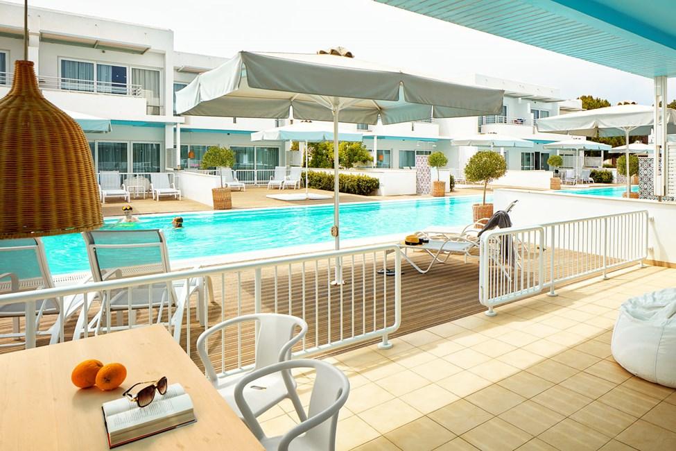 Royal Family Suite med stor terrasse og direkte adgang til privat, delt pool