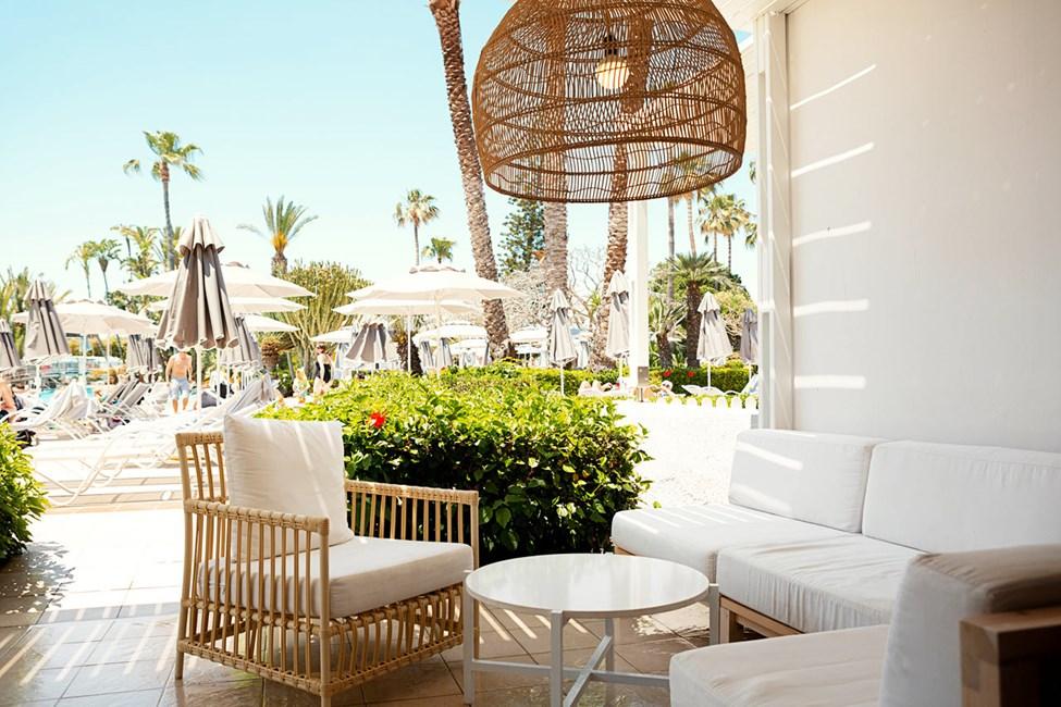 2-værelses Royal Lounge Suite med terrasse mod poolområdet