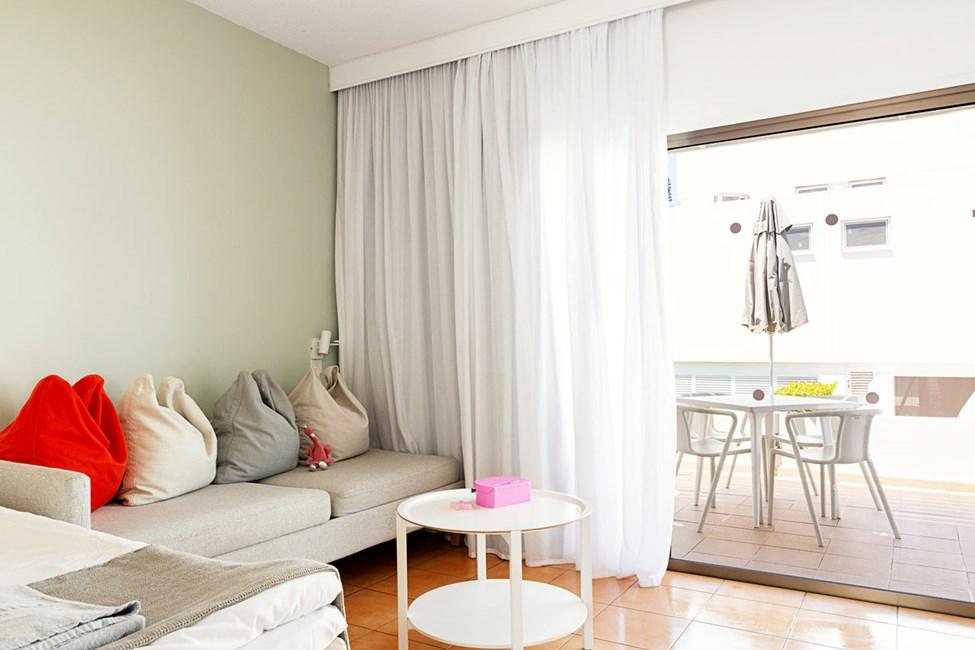 1-værelses handicapvenlig Small Family-lejlighed med terrasse mod omgivelserne