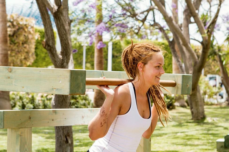 Vil du have motion i ferien, kan du udfordre sig selv på den udendørs motionsbane på Sunwing Sandy Bay Beach.