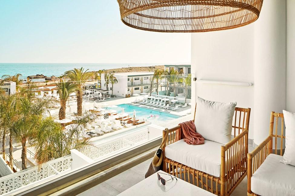 2-værelses Club Suite med balkon mod havet