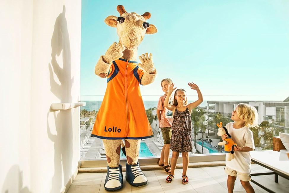 Den danseglade giraf, Lollo
