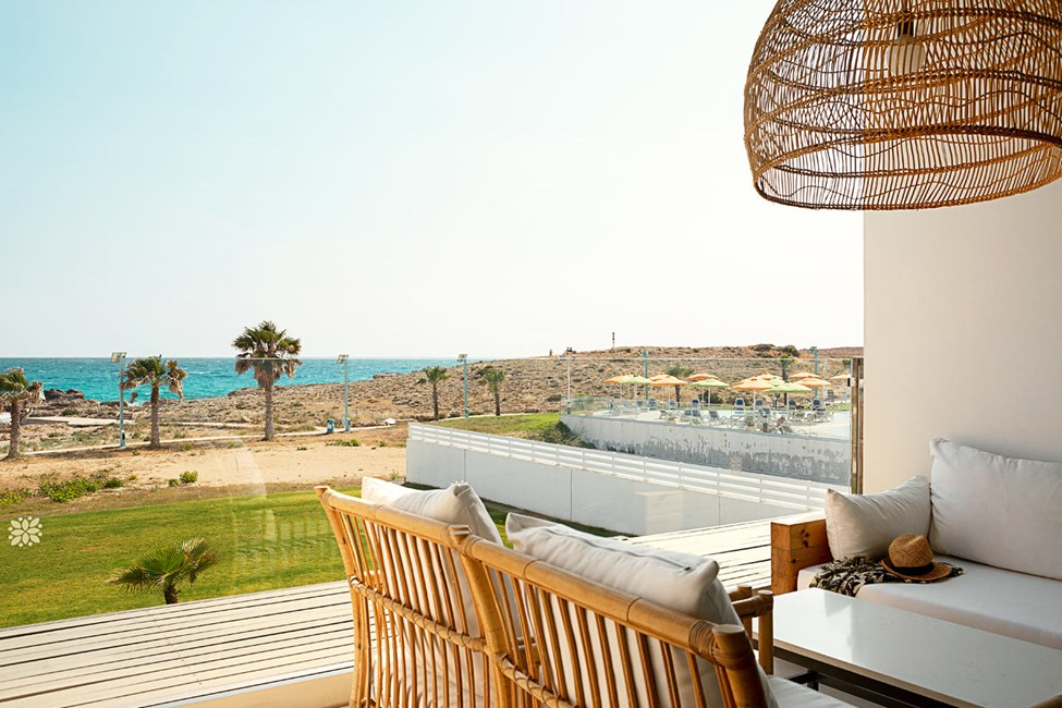 2-værelses Club Suite med balkon med havudsigt nærmest havet