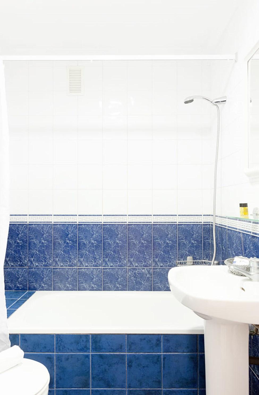 Badeværelse i lejlighederne