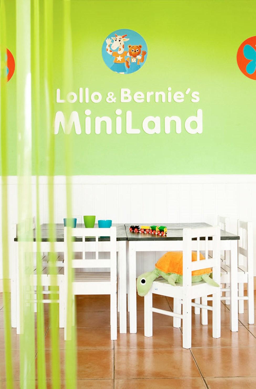 I Lollo & Bernies Mini Land kan børnene bl.a. lege, tegne og se film