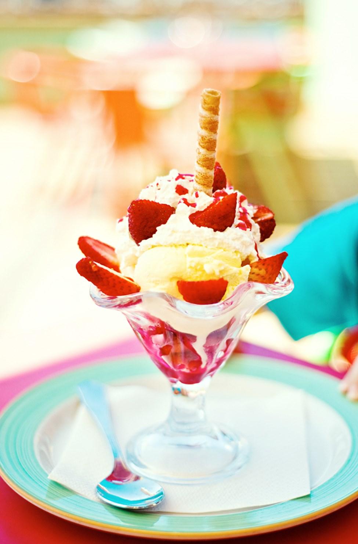 Alle børn får is til dessert i buffetrestauranten