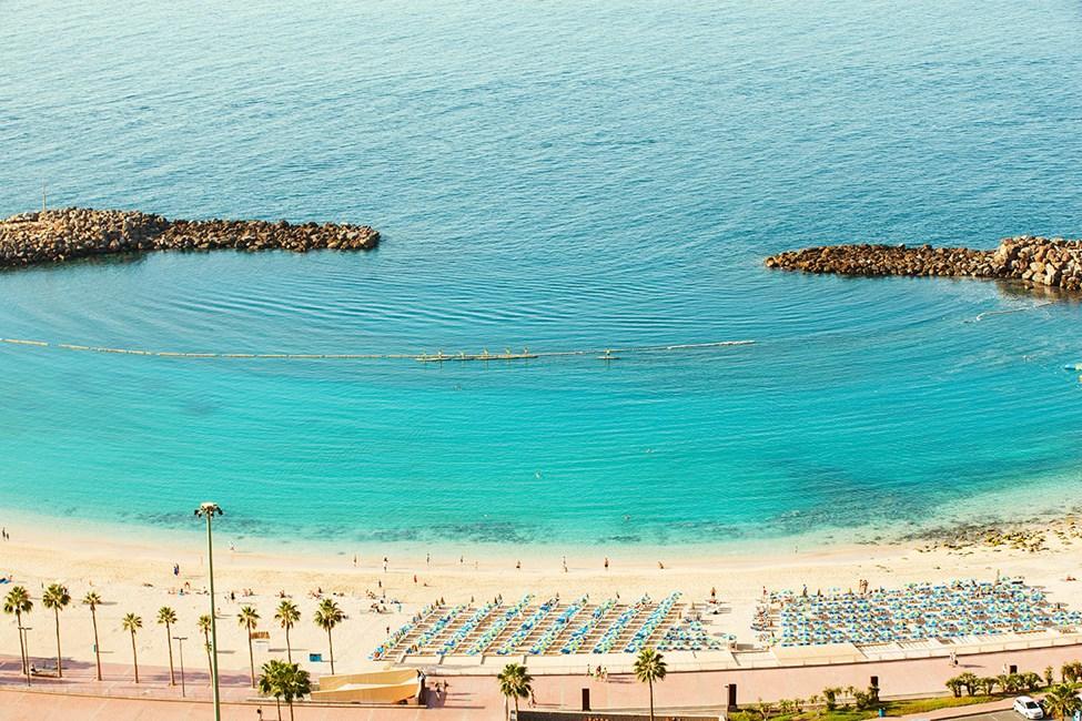 Fra hotellet har du udsigt over Amadores-stranden