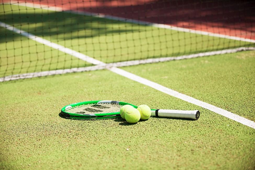 Hotellet har også en tennisbane