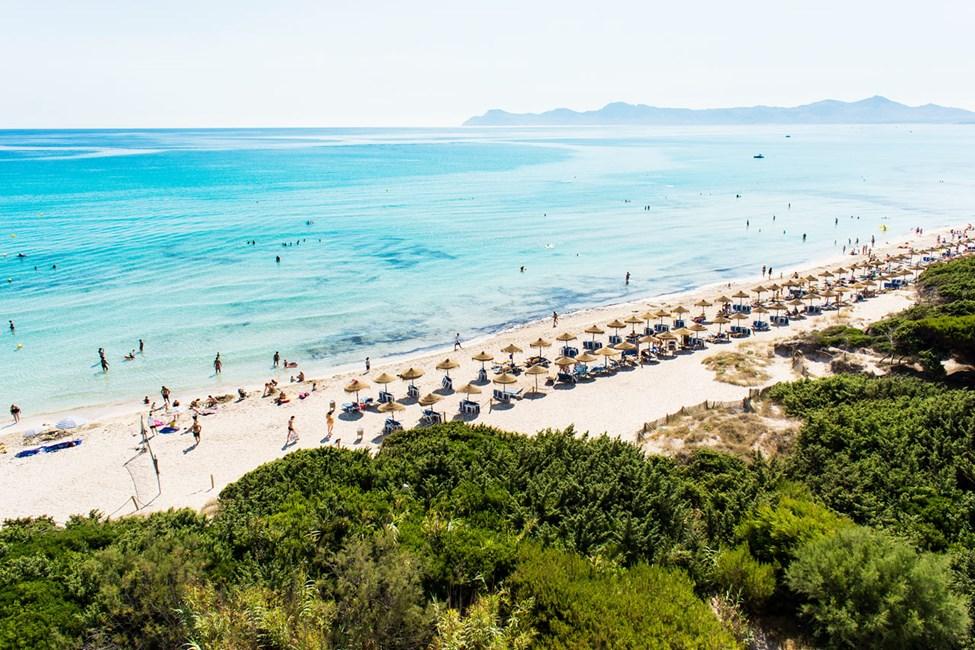 Zafiro Bahia ligger lige ved en af de fineste strande i Alcudia