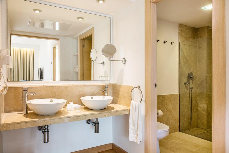 Badeværelse i nogle 1-værelses lejligheder og 2-værelses lejligheder