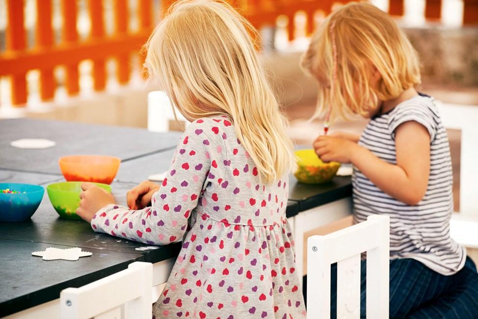 I Lollo & Bernies Mini Land er alle børn velkomne til at lege, male, hygge og se film.