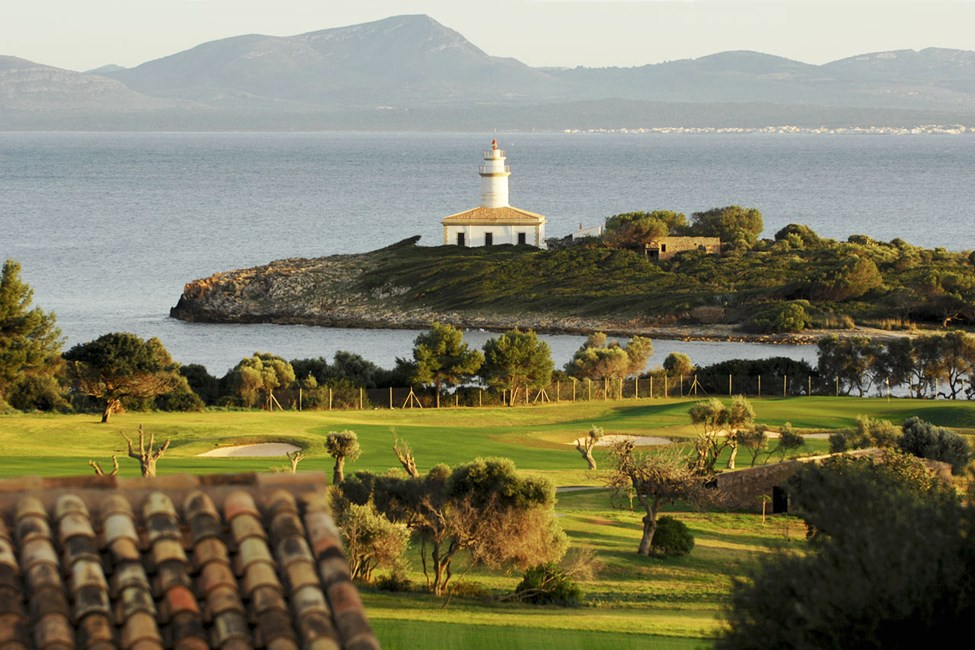 Vil du spille golf, ligger Club de Golf Alcanada ca. 2 km fra Sunwing Alcudia Beach