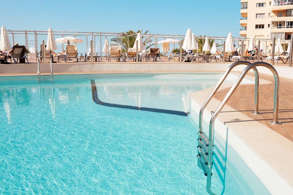 Hotellets fine poolområde