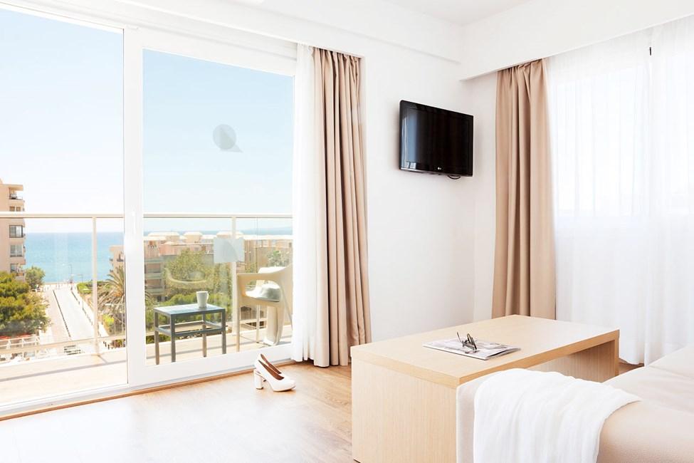 Junior Suite med balkon og havudsigt