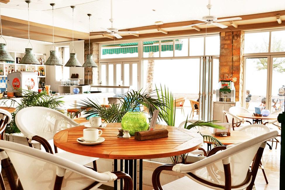 Både morgenmaden, frokosten og middagen spises i Sunprime Restaurant