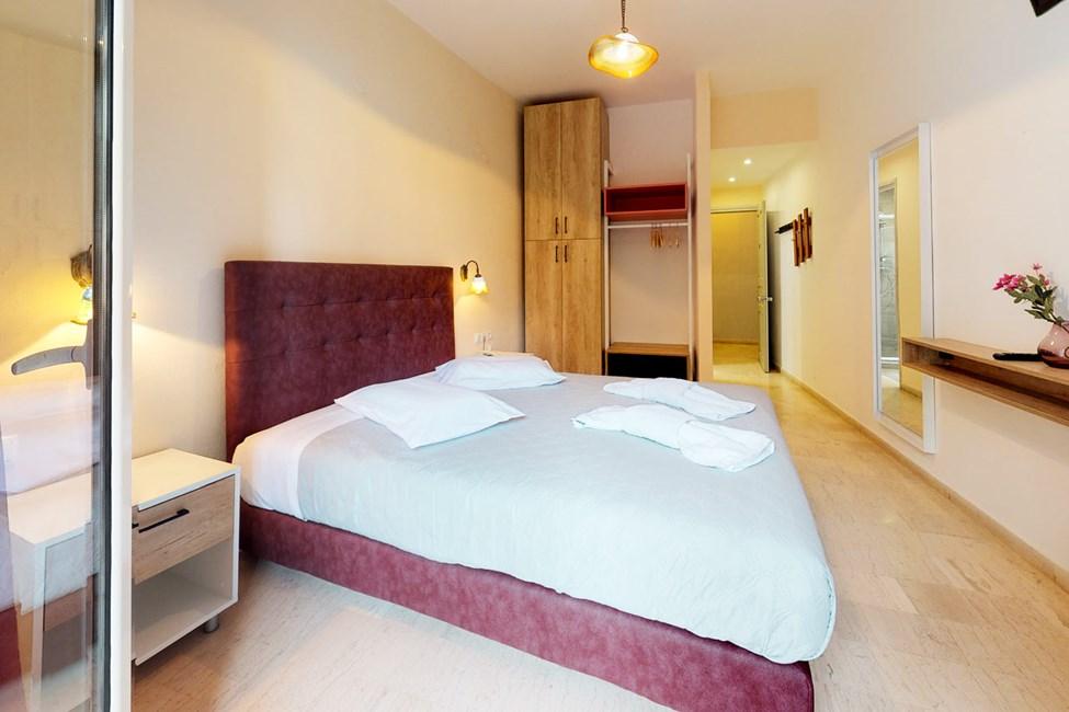 Dobbelværelser og dobbeltværelser med havudsigt