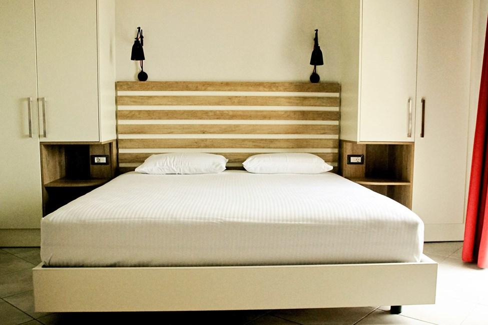 1-værelses lejlighed med begrænset havudsigt og mulighed for ekstra opredning