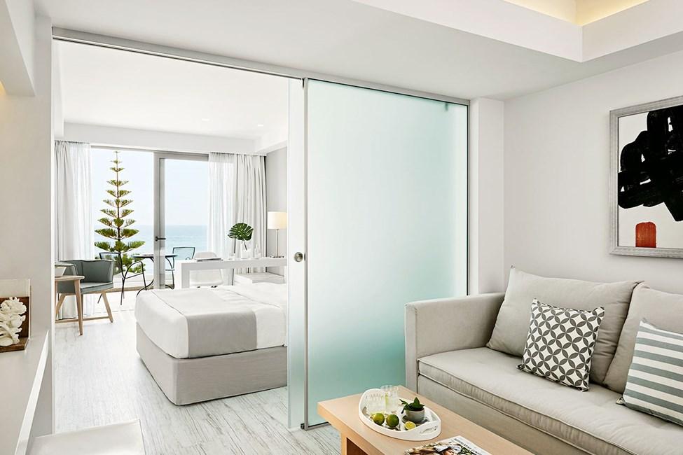 Dobbeltværelse med to rum og havudsigt