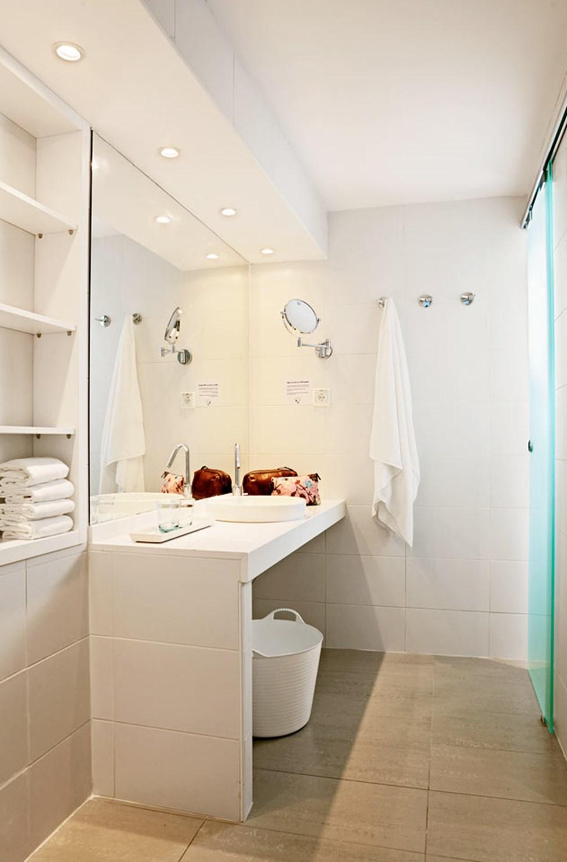 3-værelses Royal Pool Suite med stor terrasse, havudsigt og direkte adgang til privat, delt pool i Triton