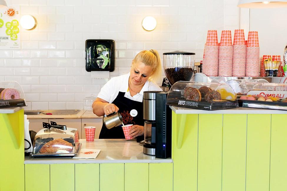 Nyd sunde smoothier eller friskpresset juice i J.O.S.